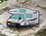 Geo Camper on Tour Geocoin - weiß